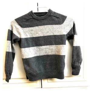 Gap boys grey stripe sweater